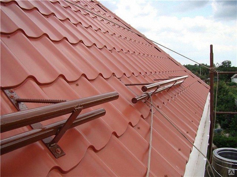 Как самому сделать снегозадержатель на крышу